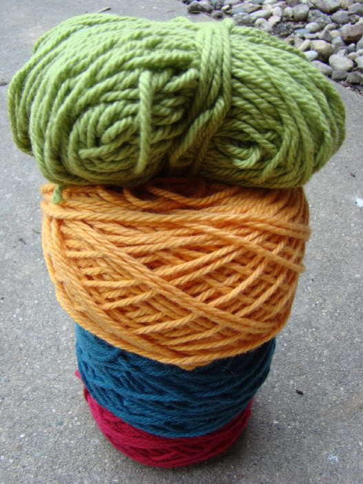 sweater-yarn-stacked