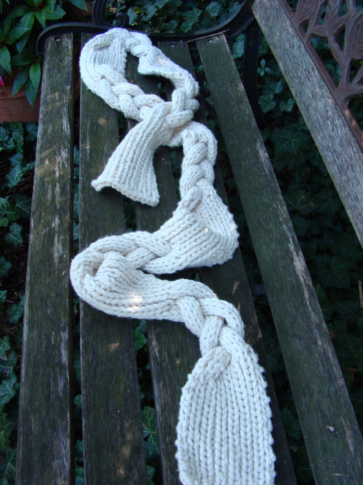 braided-spread-on-bench-full