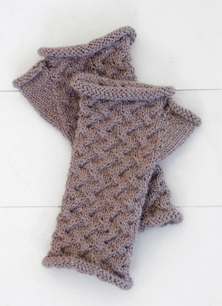P_Classic_T3_CabledMitts_S
