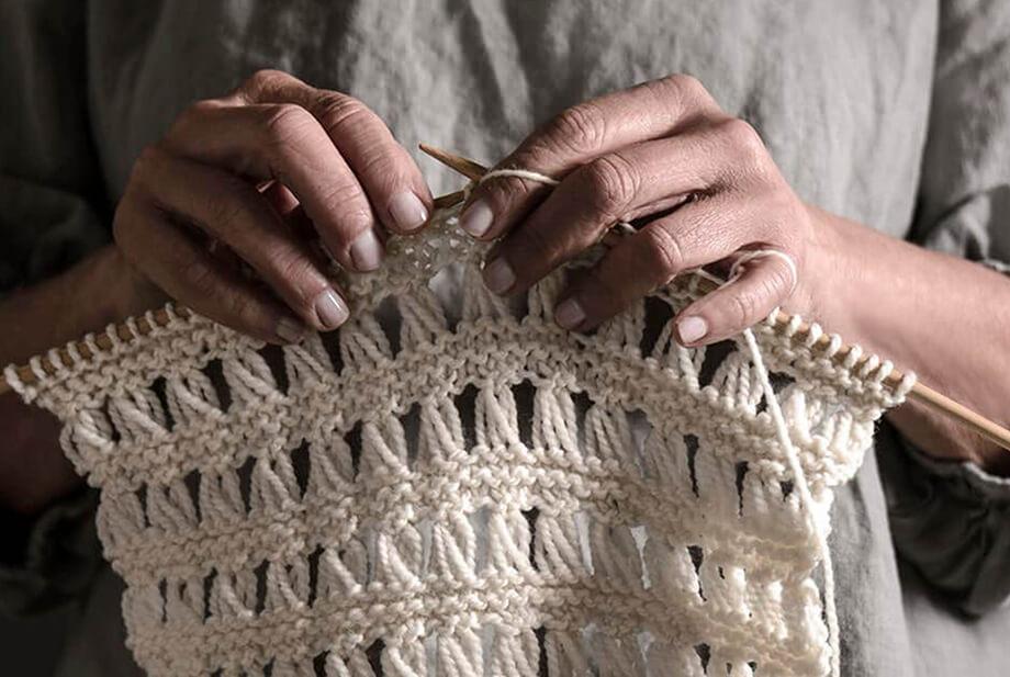 KnittingHands2