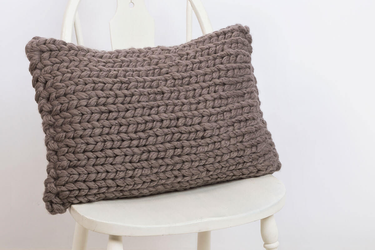 Bulky-Knit-Pillow