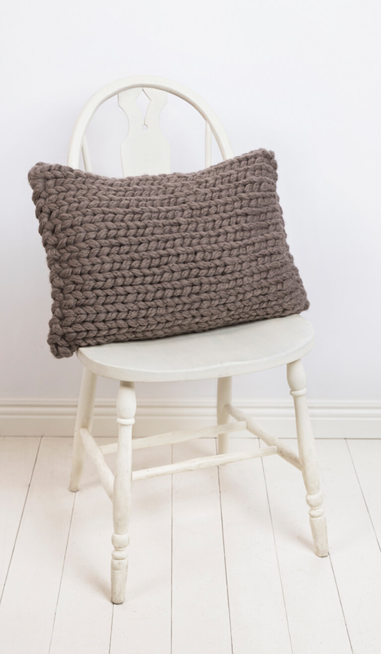 Jumbo Knit Chair Cushion2